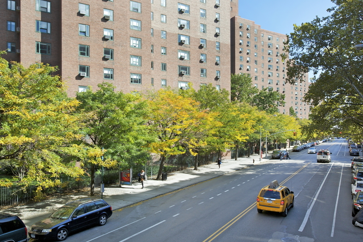 2 stuyvesant oval in stuyvesant town pcv sales rentals for Stuyvesant town lottery