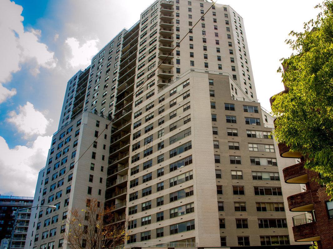 Streeteasy 125 01 Queens Boulevard In Kew Gardens 1407 Sales Rentals Floorplans Streeteasy
