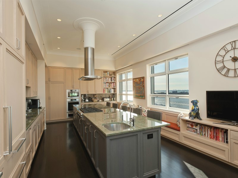 Apartment / Flat / Unit | 360 Furman Street #1216, New York, NY 5