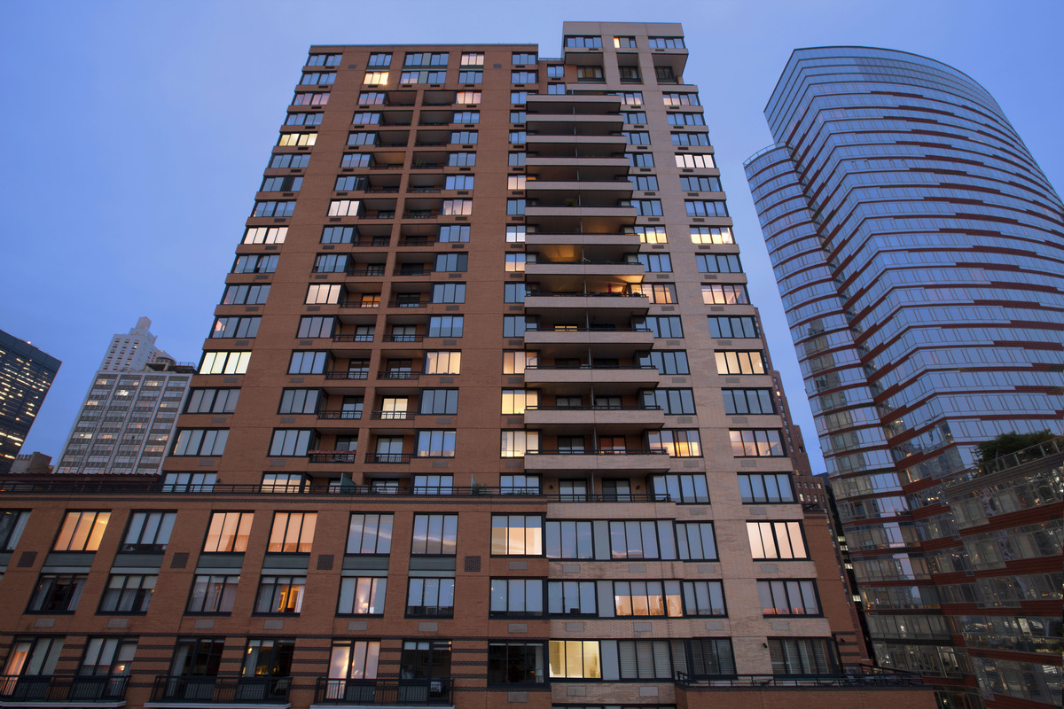 Liberty view at 99 battery pl in battery park city for No fee apts nyc