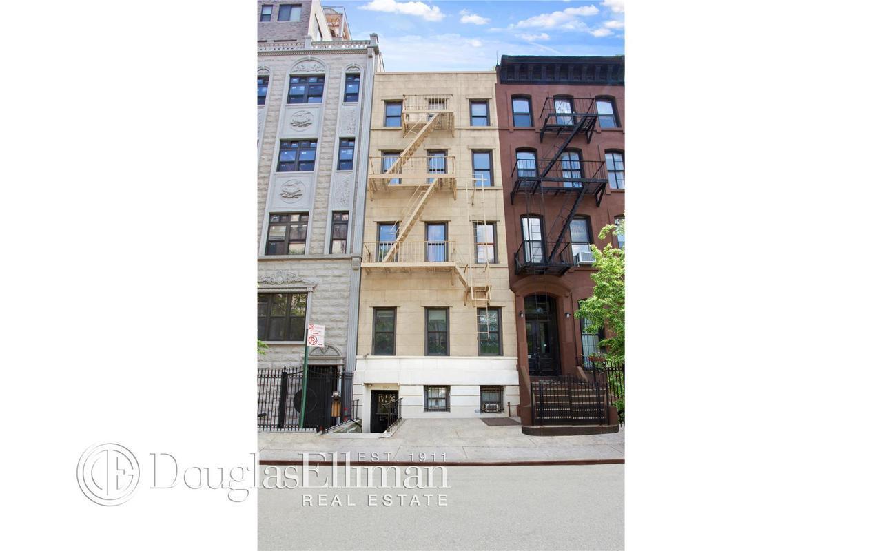 Townhouse | 150 Henry Street, New York, NY 1
