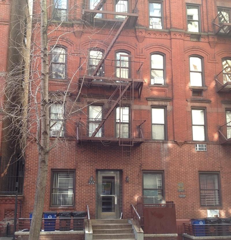 Street Easy Rentals: 202 West 98th St. In Upper West Side : Sales, Rentals