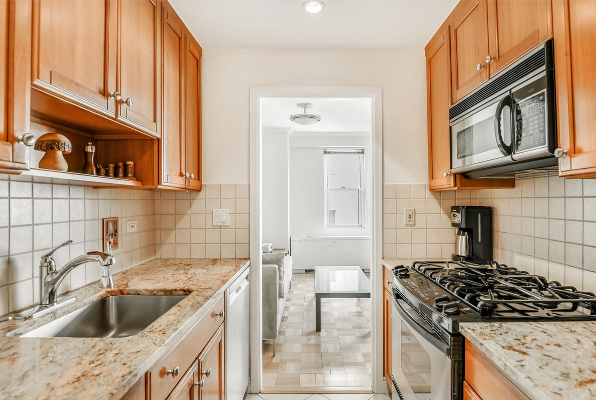 340 E 64th Street #10F in Lenox Hill, Manhattan | StreetEasy