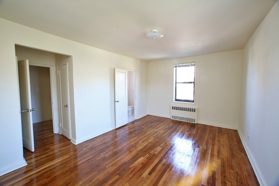 Studio Rental At 64rd Forest Hills Posted By Otto