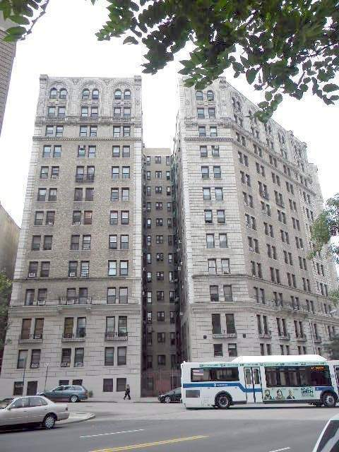 The Riviera on Washington Heights New York Apartments