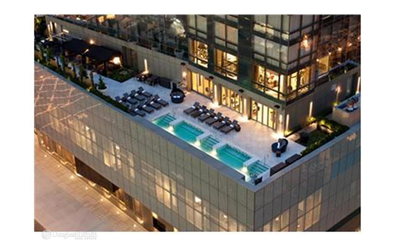 The Dominick At 246 Spring St In Hudson Square Sales Rentals