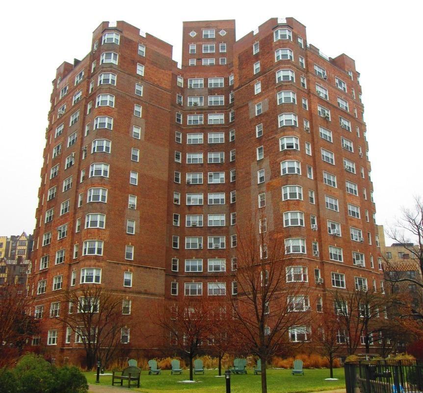 Market Street Village Apartments: Castle Village At 120 Cabrini Blvd. In Hudson Heights