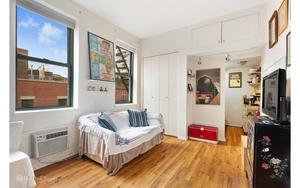 Waverly Mews at 23 Waverly Pl  in Greenwich Village : Sales