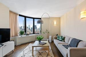 The Corinthian at 330 East 38th St  in Murray Hill : Sales