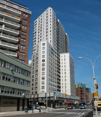 125 10 Queens Boulevard 1214