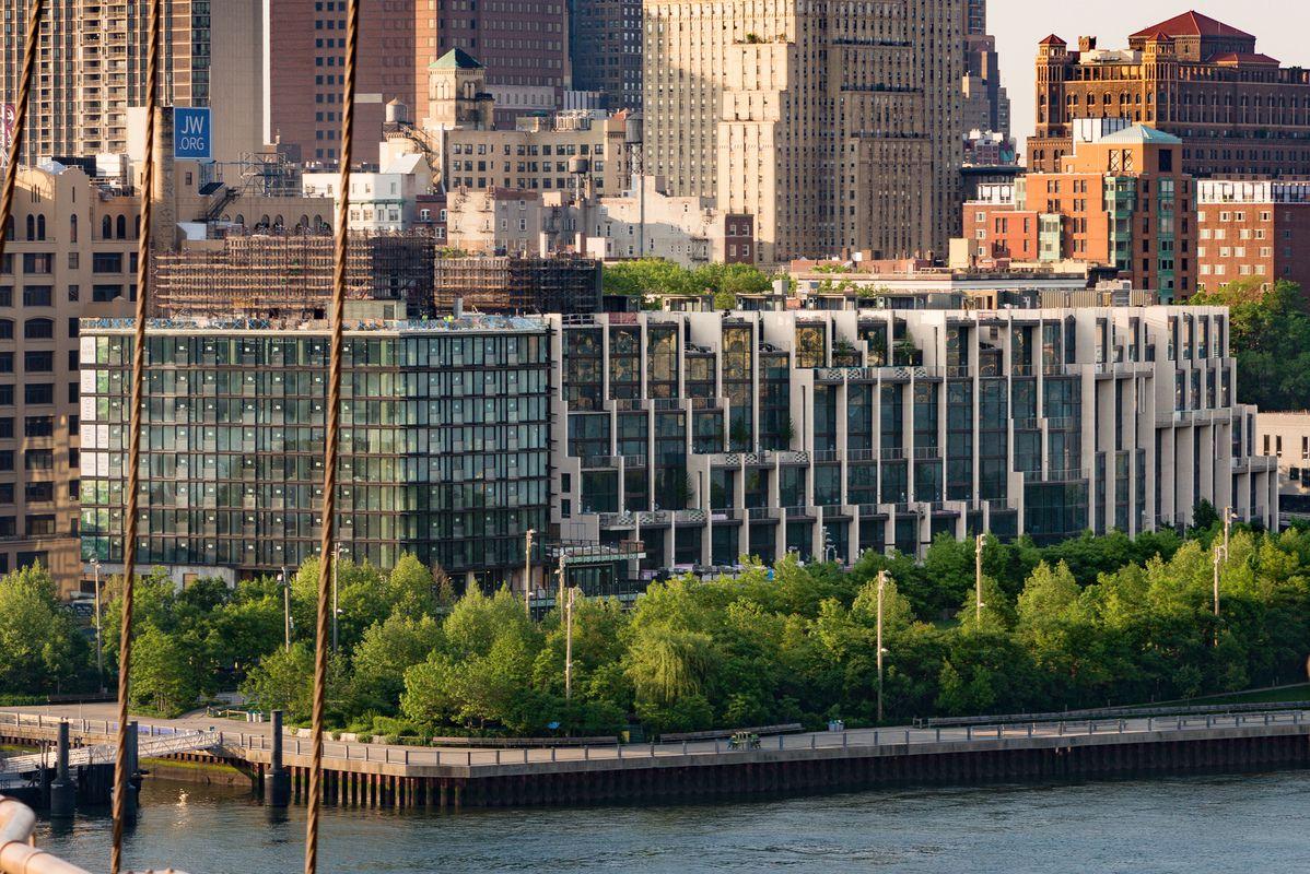 Pierhouse at Brooklyn Bridge Park at 90 Furman St in Brooklyn – Pier House Floor Plans