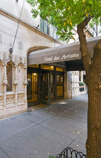Hotel Des Artistes At 1 West 67th St In Lincoln Square