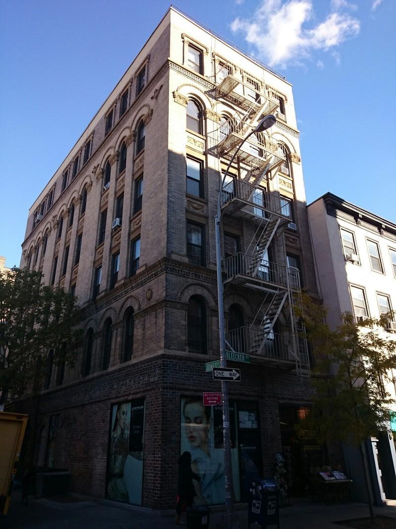 277 bleecker street in west village manhattan naked for Manhattan west village apartments